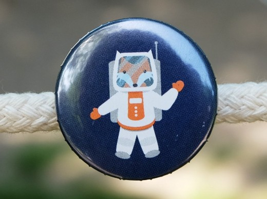 Button Astronauten Fuchs dunkelblau 25mm
